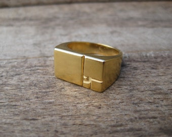 Squares - Golden Ratio / Fibonacci Sequence - 3D printed, chunky signet ring in 18k gold. Cast using lost PLA - Handmade in UK