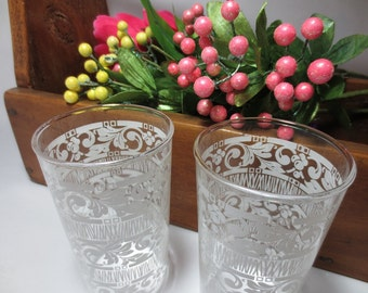 Swankyswigs / Retro Drinking Glasses with White Pattern