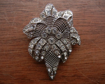 Vintage Filigree Pin or Brooch ~  Art Deco Lily Style