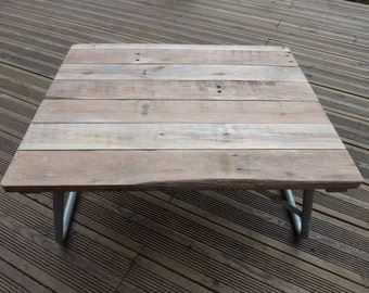 Recycled Pallet Folding Picnic Table