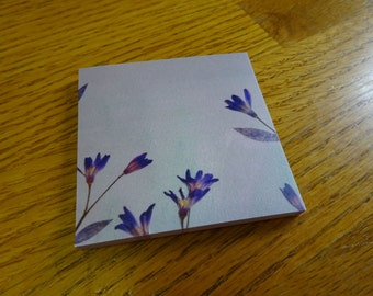 Flowery Sticky Notes in Blue