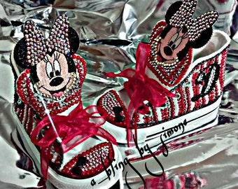 Red, white and black Minne Mouse Disney converse