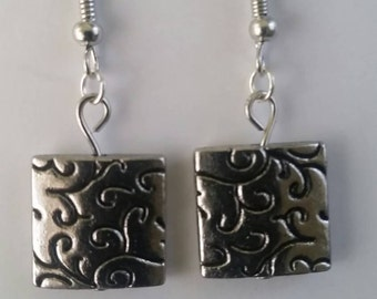 Swirly silver squares