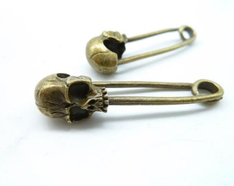 Skull Charm -10pcs 14x50mm Antique Bronze Skull Brooch Shape Charm Pendant (Can not Open) C7124