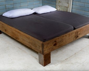 Design bed from recycled timber & beams   VIGNES