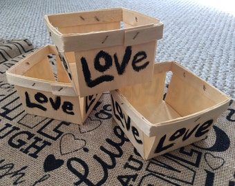 "Set of 20 small wooden flower ""LOVE"" baskets party table centerpiece"
