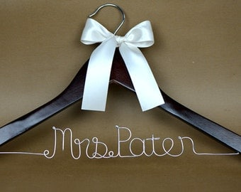 Personalized Wedding Hanger,Bridal Hanger,  Wedding Dress Hanger Personalized with Custom Bride Name, Bride Hanger, Bridal Wedding Gift
