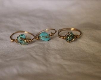 Single intertwined  jewel