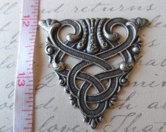 Celtic design triangle stamping