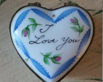 "Vintage French Limoges Heart Box ""I love you""."