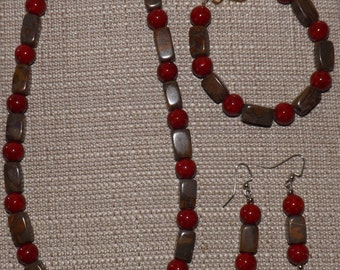 Chrysanthemum and Red Ceramic Pearl Necklace set