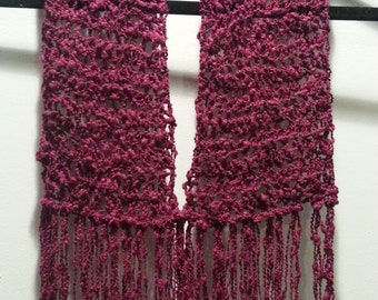 Crocheted elegant scarflette cowl