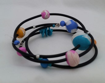 Orbits----- memory wire bracelet