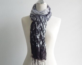 Loose pleats tie-dyed silk - black and white , 1