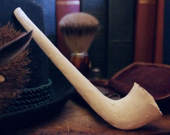 Elizabethan Horn Style Ceramic Pipe