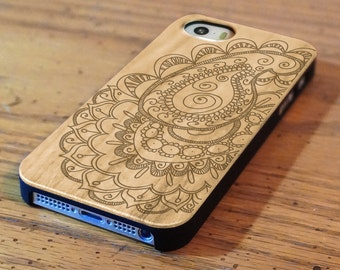 Genuine Wood Cell phone Case with Floral Henna Doodle Freehand  Pattern Laser Engraving for iPhone 5/S, 6 and 6 plus IP-005