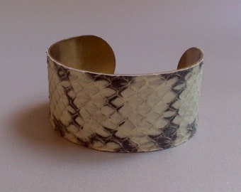 Bracelet brass and black and white leather snake