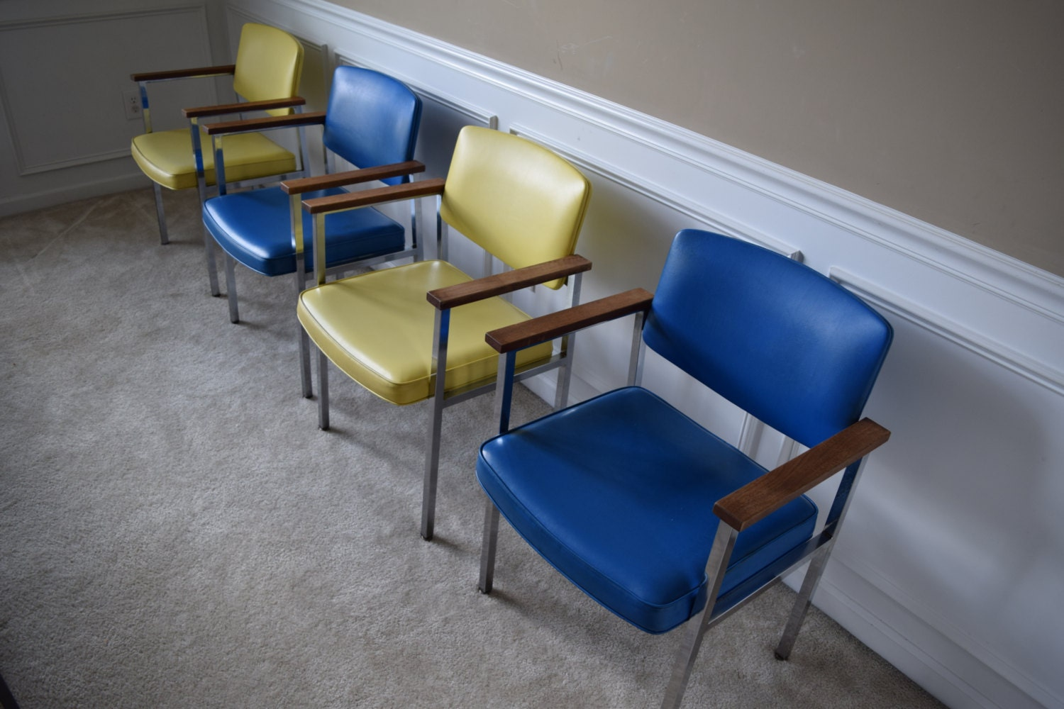 Vintage office waiting room chairs for Seating room furniture