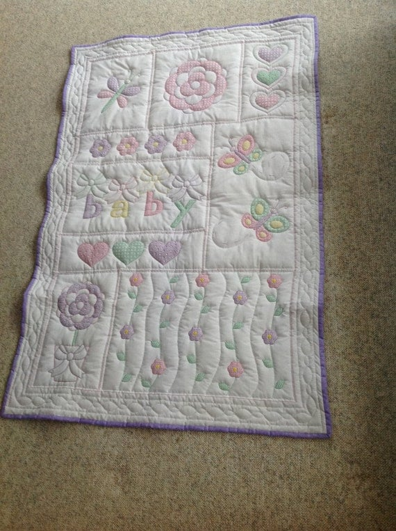 Baby Gift Quilt : Baby quilt shower gift hand quilted