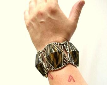 wide thermoset bracelet . chunky 1950s bracelet . thermoplastic bracelet . Selro style plastic link bracelet . lucite bracelet