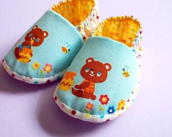 Elastic Baby Booties - The Honey Bear (Blue)