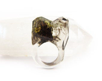 Smoke Lichen Resin Ring • Size 5 • Eco Resin Nature Ring • Asymmetrical Unusual Art Ring • Faceted Terrarium Ring • Nature Moss Ring