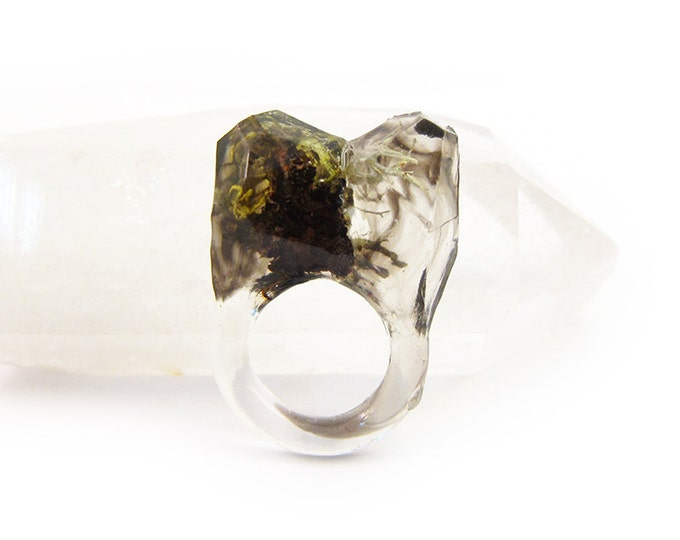 Smoke Lichen Resin Ring • Size 5