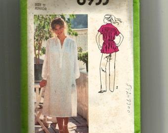 Simplicity Juniors' Dress or Top Pattern 8933