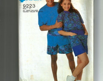 Simplicity Misses' and Men's Pull-On Shorts and Pullover Top Pattern 9223