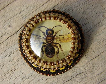 Black and Yellow Glass Bee Brooch 3 of 6