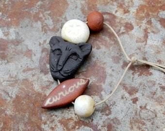 Curious Cat / Ceramic Cat Bead Set