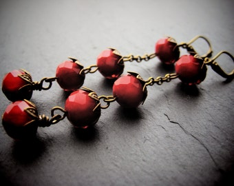WILD STRAWBERRY STRINGS earrings brass chain and glass bead