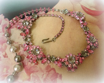 eXquisite vintage trifari rhinestone necklace . one of a kind pink and gray rhinestone choker necklace