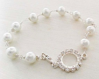 Pearl Bracelet Wedding Gift, White Cream Pearl Bridal Bracelet, Vintage Style Wedding Bracelet, Rhinestone Crystal Charm, Bridesmaids Gift