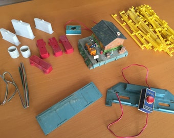 TYCO train accessories.  Lot includes everthing shown in photo.  As is.