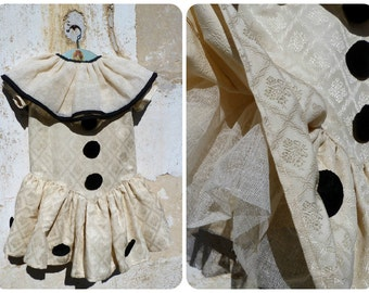 Made by me Costume inspired by 1920 French  Pierrot costume disguise size 4/6 years / cream damask fabric /net large collar collerette