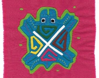 SALE ! Adorable Turtle Mola Mini in Great Colors - Panama Kuna Indian Reverse Applique