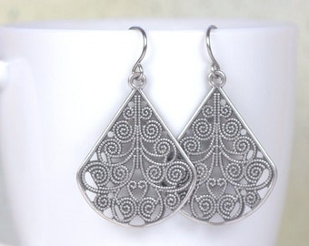 Antique Silver Filigree Teardrop Earrings, Antique Silver Earrings, Silver Drop Earrings, Antique Silver Earrings, Filigree Earrings [#903]