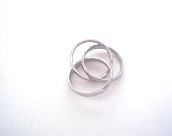 Stainless Steel  thumb triple ring--size 9-free shipping