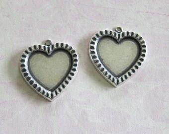NEW 2 Silver Heart Bezel Charm 3679