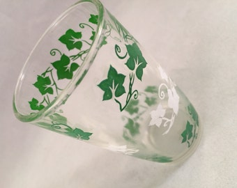 Vintage SWANKY SWIG 1950's Era Juice Glass with Green and White Ivy