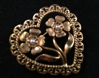 Vintage Goldtone Filigree Heart Pin with Flowers and Faux Pearls