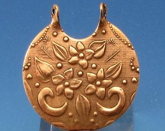 Floral Bouquet Pendant, Antique Gold, Trinity Brass  AG31
