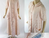 Vintage Dressing Gown - Pink Lace Robe from Bonwit Teller B38 W44
