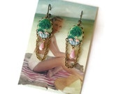 Flamingo Earrings - Green and Pink Earrings - Vintage Style Jewelry - Chandeliers - Palm trees - Flamingo Cameos - Flamingo (small) (SD0541)