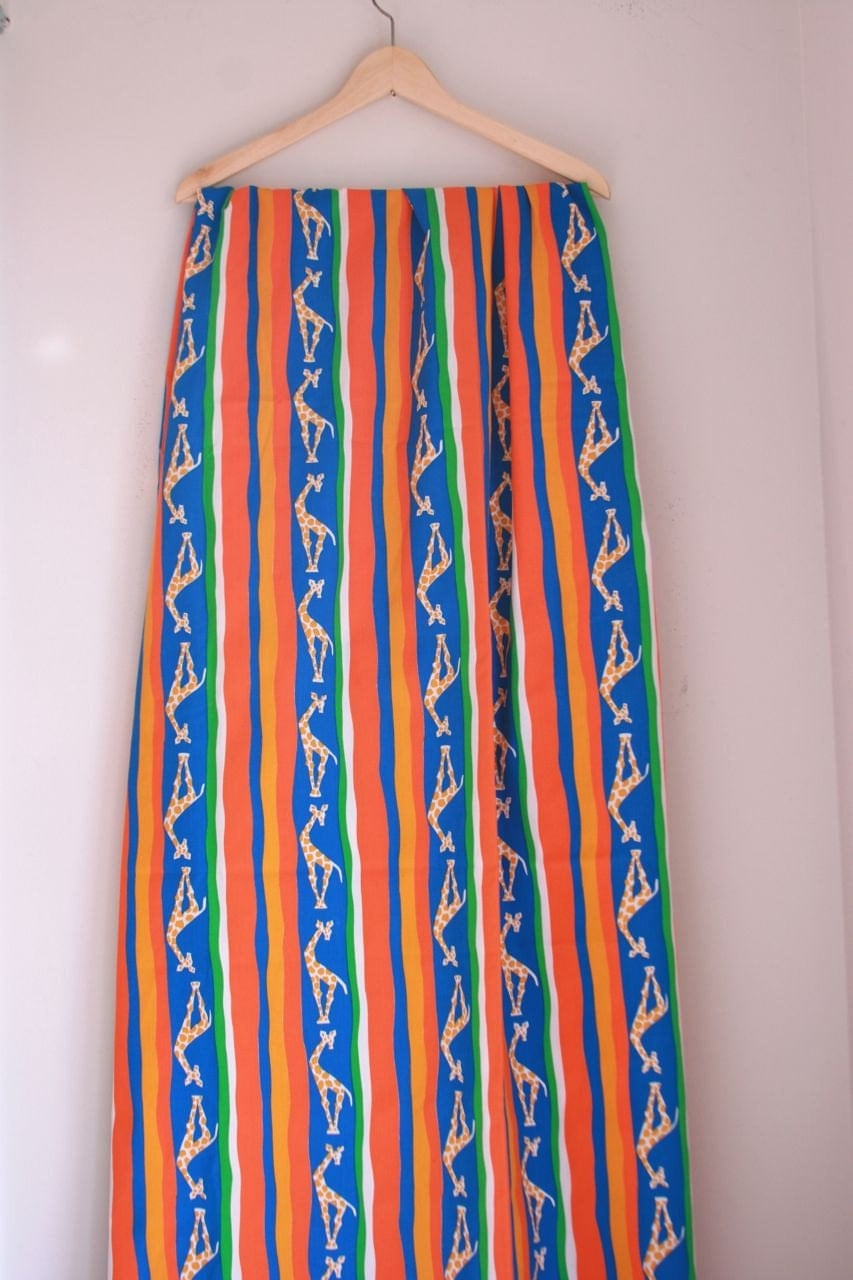 Vintage giraffe fabric children 39 s bright rainbow 2 yards for Bright childrens fabric
