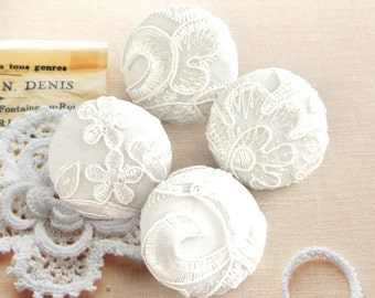 Handmade Large Victorian Wedding Off White Floral Flower Lace Fabric Covered Buttons, Retro Wedding Floral Fridge Magnets, 1.5 Inches 4's