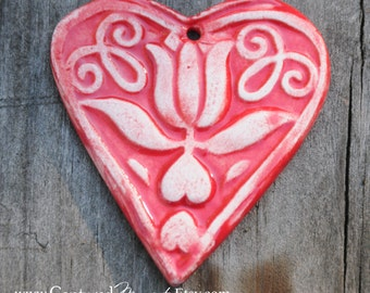 Heart Pendant made of pottery in Tamale Red