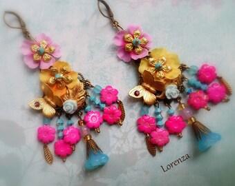 Boucles bohême shabby romantiques fleurs rose et turquoise et safran