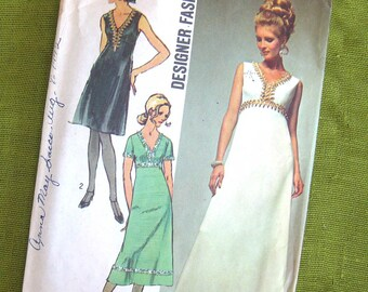 1970 Vintage Sewing Pattern - Simplicity 9064 - Full Length EVENING DRESS Prom Gown - Size 10 / Uncut FF
